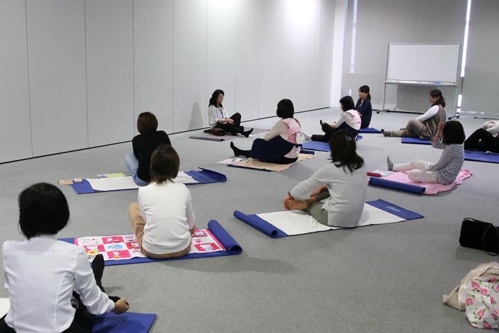 アタッチメント・ヨガ教室1